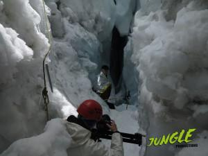 Filmdreh in Gletscherspalte/ Shoot in a crevasse on a glacier